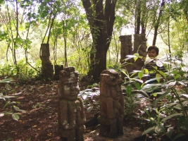 Figuras de piedra con hijo Reinhard